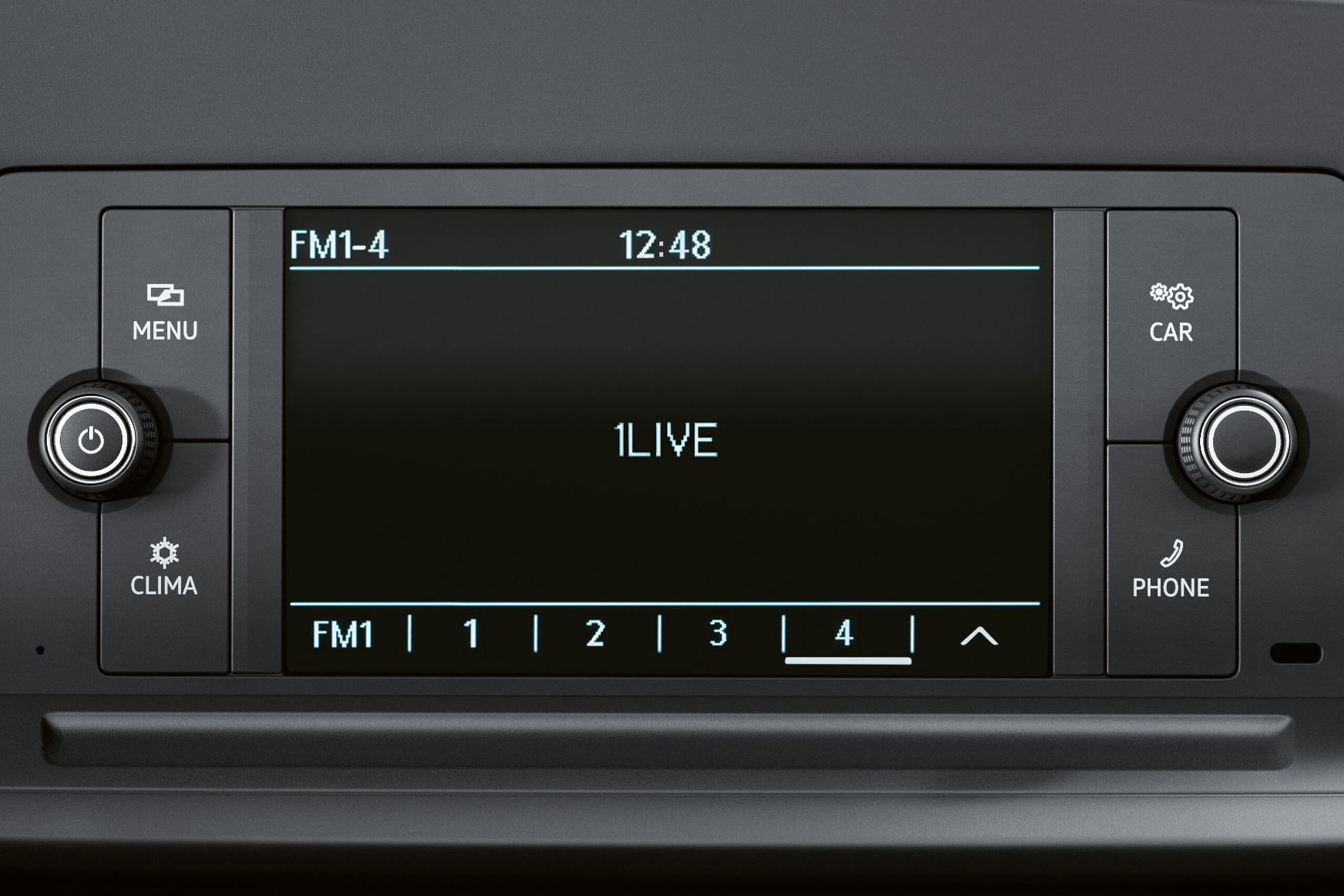 Das Radio Composition Audio in einem VW Caddy.